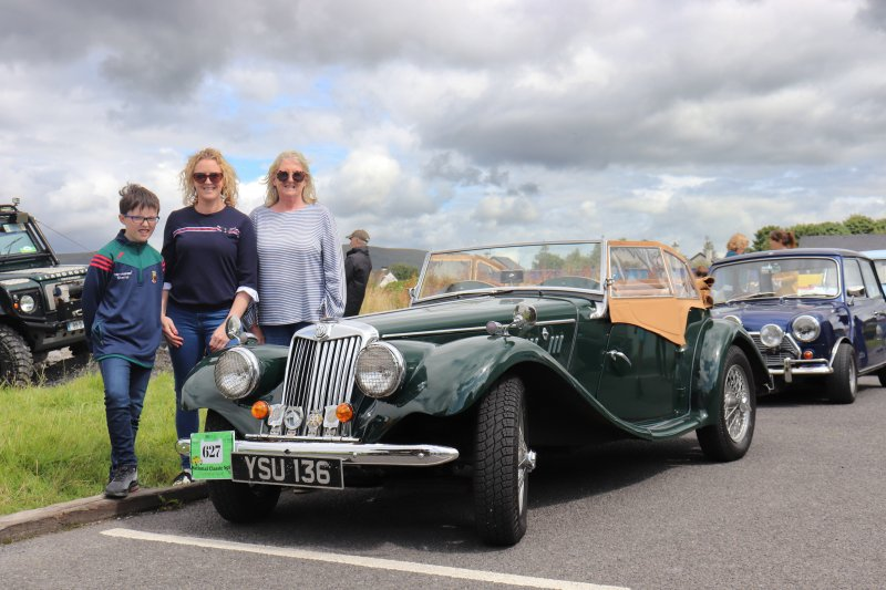 Foxford-14.-Lucia-Alice-Michael-OConnell-with-MG-TF-1954.Pic-Sinead-Mallee