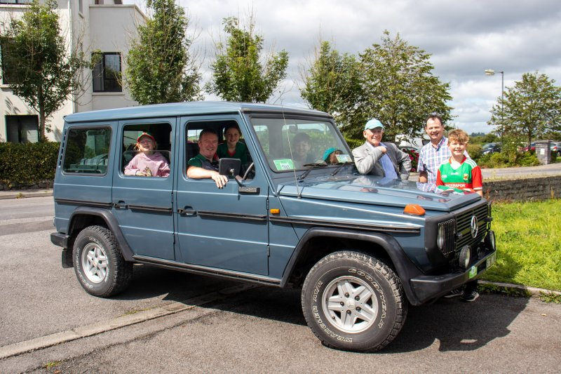 Foxford-29.-Tom-Dunleavy-and-the-Murray-family-Mercedes-G-Wagon-1986.Pic-Sinead-Mallee